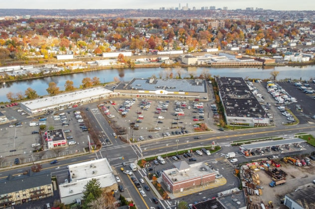 Photo of: Crossroads Hackensack